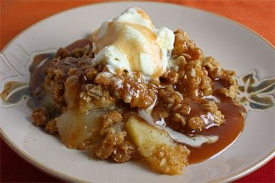Vanilla Apple Crisp with Caramel Sauce 500