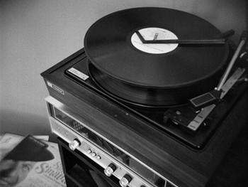 Record_player_copy_3.350w_263h
